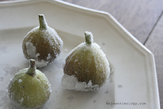 All you do is just pick, rinse and air-dry the figs and then pop them into a freezer bag and stick them in the freezer.