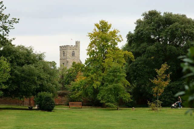 The gardens at Fulham Palace, London. Photo courtesy of geograph.org