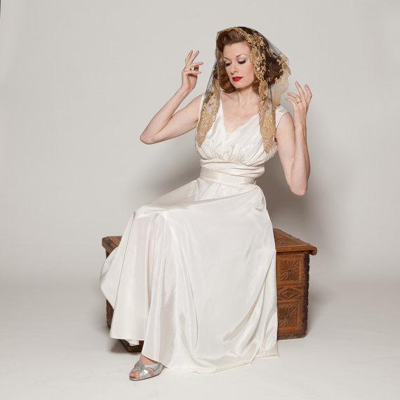 Vintage 1950s Mantilla Veil from Union Made Bride
