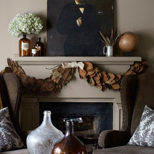 Magnolia garland for the mantle. Photo via pinterest.