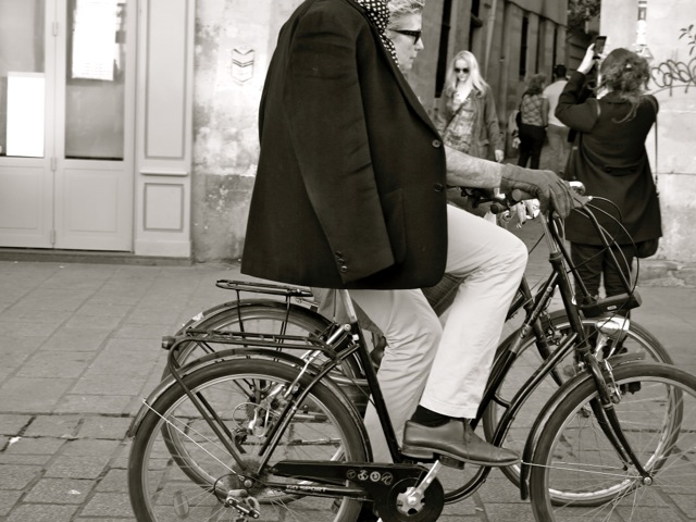 Capturing the essence of Paris. A scene snippet fresh from Janice's blog.