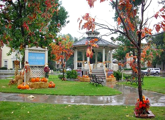 On the set with Gilmore Girls - the Stars Hollow town green