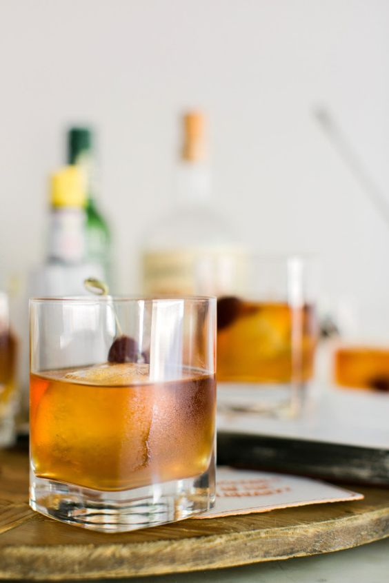 Find a classic Manhattan cocktail recipe here.