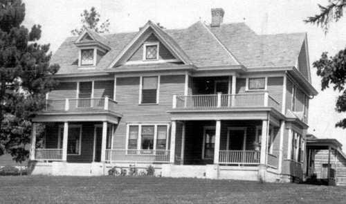 Selmon and Anna's house in Vinton Iowa, built in 1906